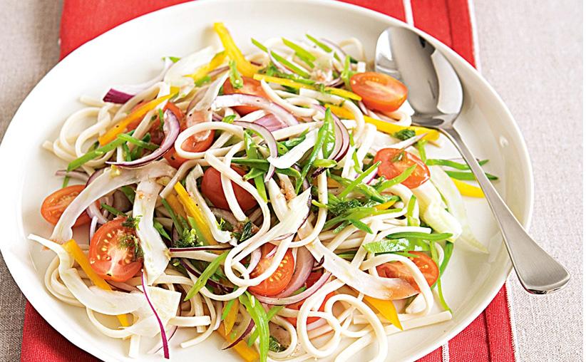 Ensalada de Noodles Udon al Sésamo