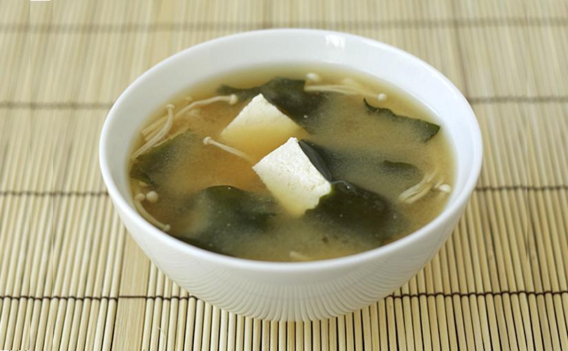 Sopa de Miso con alga Wakame y Tofu